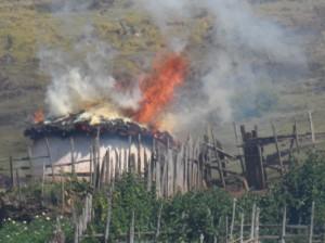 Sengwerowie płonący dom
